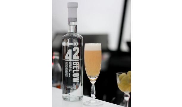 Dan D'amelio's The 42nd Plight of the Kiwis 42BELOW cocktail