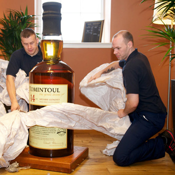 Worlds largest botle of whisky Tomintoul