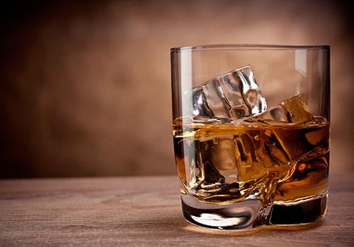Whisky-glass-ice-rocks-db-lux-spirits-dec-14