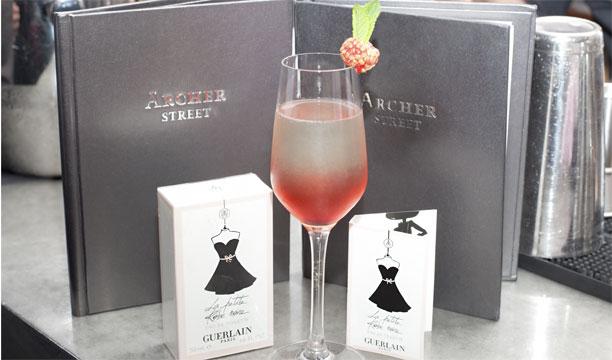La petite robe noire cocktail