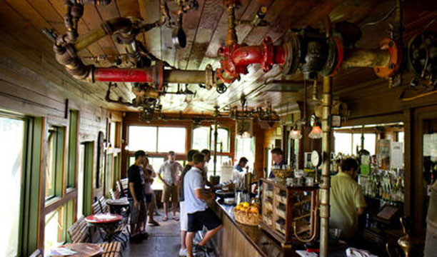 The-Edgefield-Distillery-Bar,-Oregan