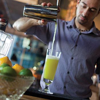 Top-10-bartender-pet-peeves