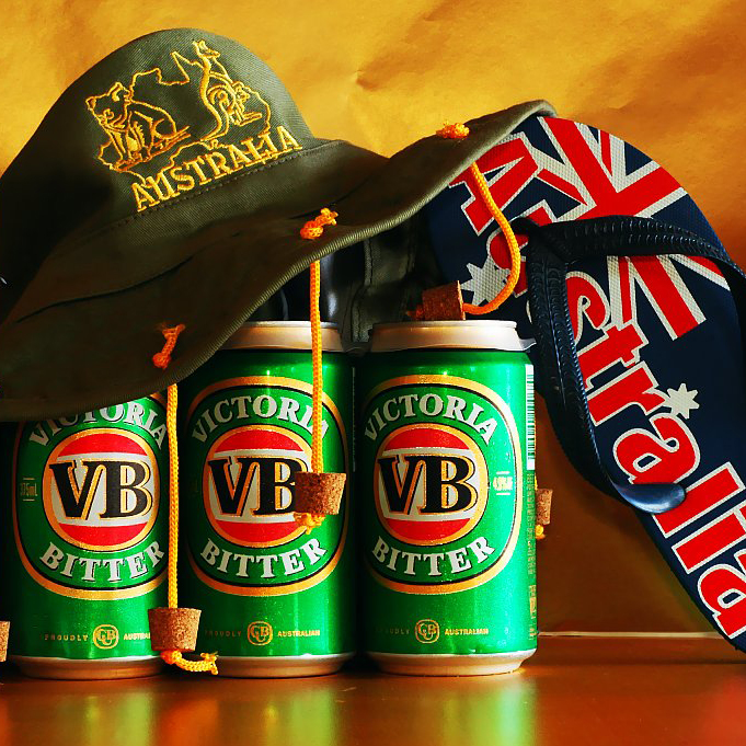 Cork_hat_and_beer1