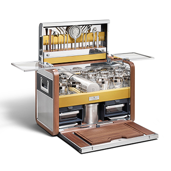 Rolls-Royce-Cocktail-hamper