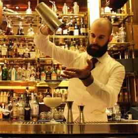 Bar Américain's head bartender, Francesco Petracci