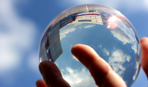 predict-trend-crystal-ball