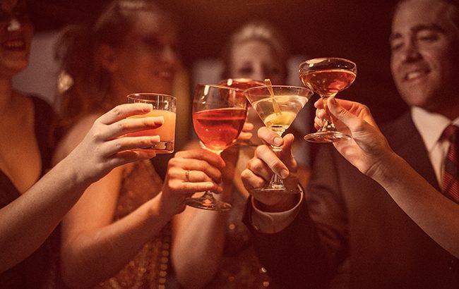 Alcohol cocktails celebration WEB