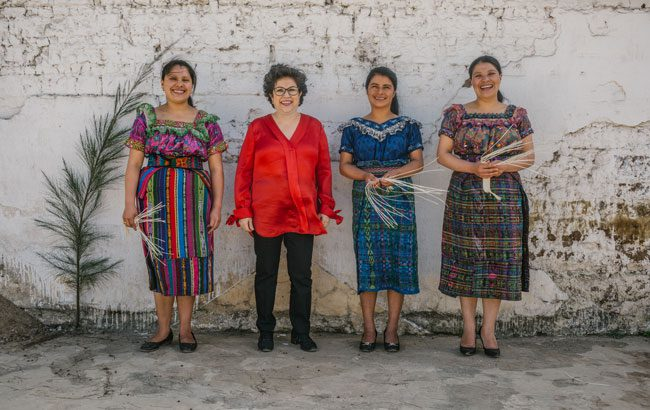 Lorena Vásquez petate weavers