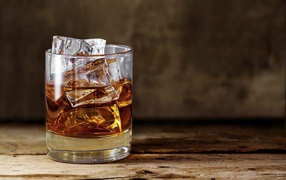Bourbon whiskey ice