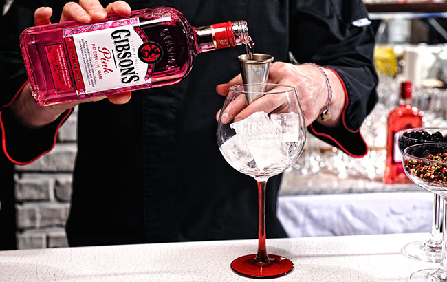 Gibson's-Pink-Gin